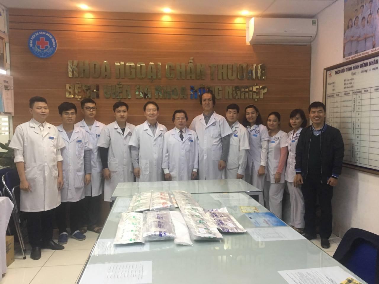 Bệnh viện Đa khoa Nông nghiệp đón nhận chuyển giao kỹ thuật mới Băng bó bột Hybrid Mesh và Nẹp bột Hybrid Mesh trong điều trị chấn thương chỉnh hình