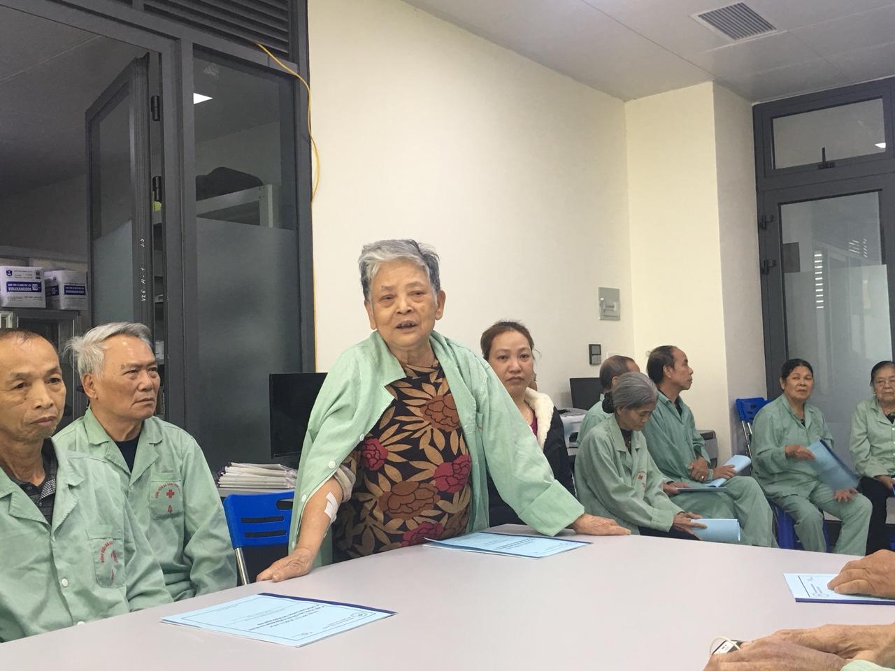 Sinh hoạt hội đồng người bệnh khoa Nội