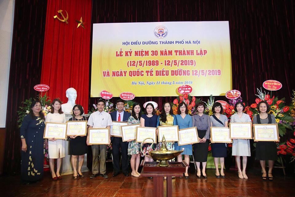 Chi Hội Điều dưỡng Bệnh viện Đa khoa Nông nghiệp đã có thành tích xuất sắc trong công tác xây dựng và phát triển Hội Y học TP. Hà Nội