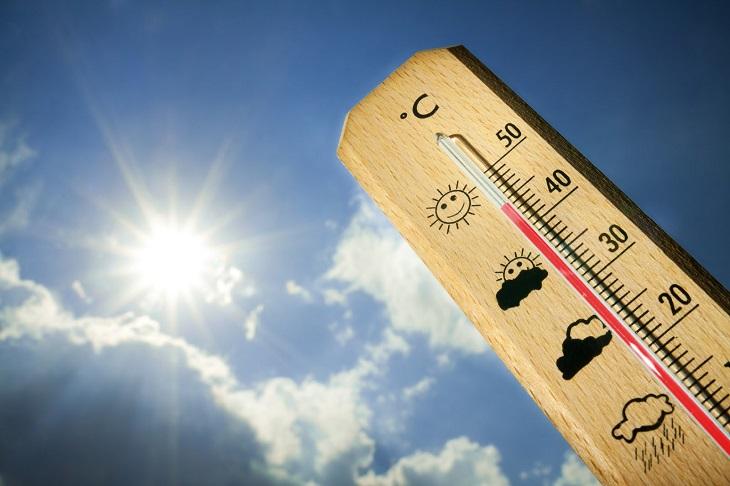 """Bệnh nhân vào Bệnh viện Đa khoa Nông Nghiệp trong tình trạng cấp cứu  vì """"say nắng, say nóng"""" tăng đột biến trong chuỗi ngày hiện đang nắng nóng gay gắt tại Hà Nội."""
